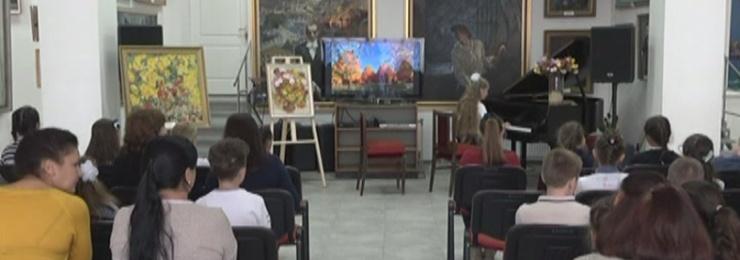 """В конце октября в Измаильской картинной галерее прошел состоялся концерт """"Букет осени"""""""