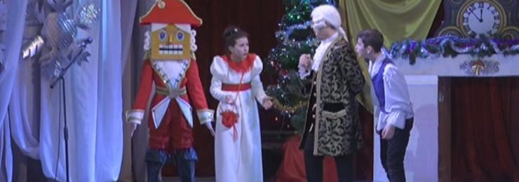 29 декабря во Дворце культуры им. Т .Шевченко прошел новогодний праздник для воспитанников Детского фонда