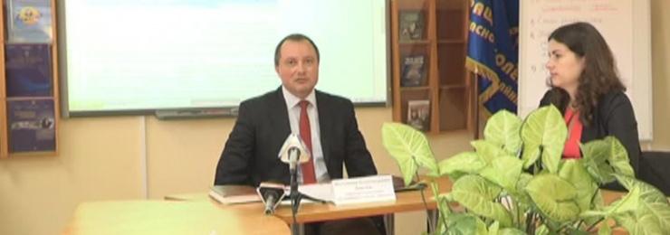 2 ноября директор Измаильского горрайонного центра занятости Владимир Довгаль провел брифинг на тему возможностей неформального обучения