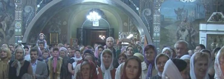 Многие жители Измаила пришли в храмы города в пасхальную ночь, чтобы встетить светлый праздник Воскресения Христова