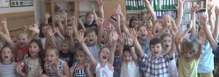 30 травня в загальноосвітній школі № 1 імені О.Суворова з поглибленим вивченням англійської мови пройшло урочисте відкриття літнього дитячого табору