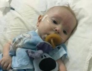 Операция вновь отложена: для проведения малышу операции не хватает совсем немного средств